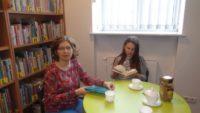 Uczestnicy spotkania młodzieżowego Dyskusyjnego Klubu Książki.